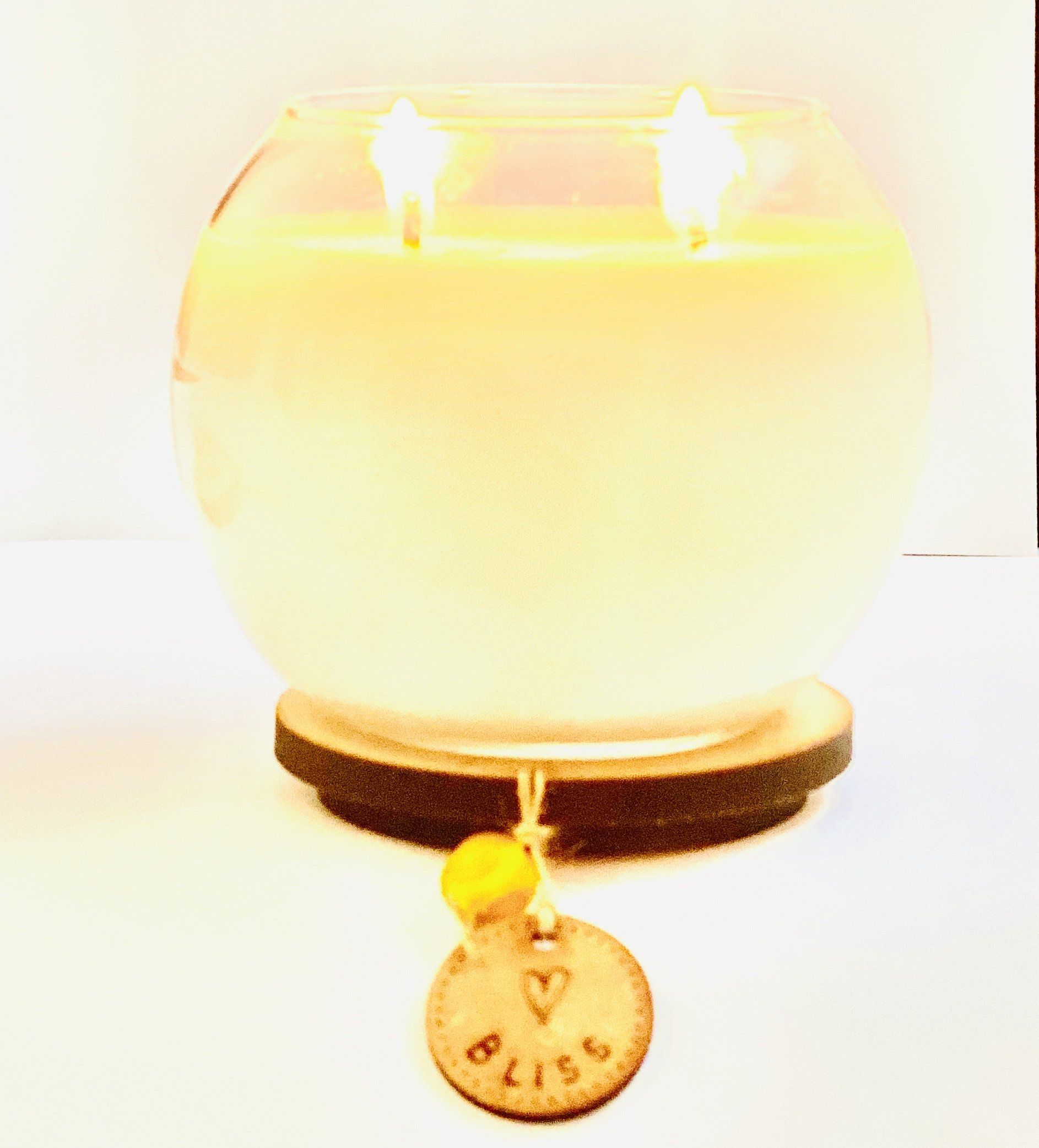 Vegan Soy Wax Candle with Lemongrass and Basil Essential Oils. Double Wick Bowl Kind Shop 3