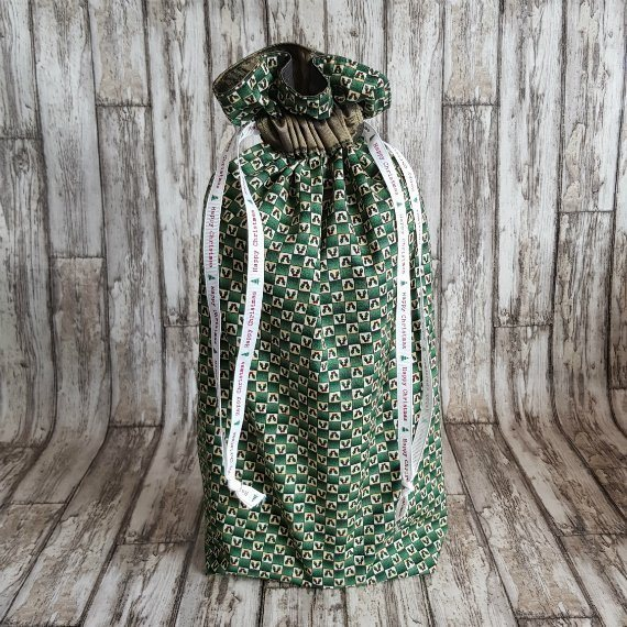 Little Holly Leaf Eco-Friendly Fully Lined Reusable Christmas Gift Bag Kind Shop