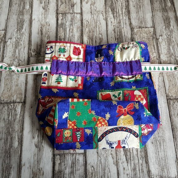 Small Christmas Themed Eco-Friendly Fully Lined Reusable Christmas Gift Bag Kind Shop 4
