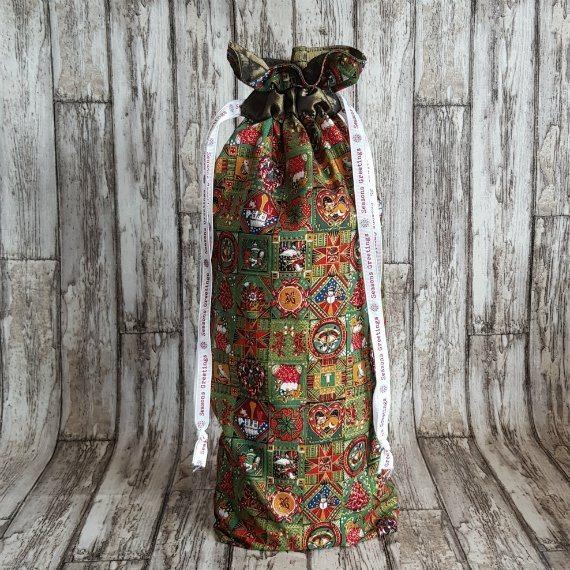 Traditional Christmas Print Eco-Friendly Fully Lined Reusable Christmas Gift Bag Kind Shop