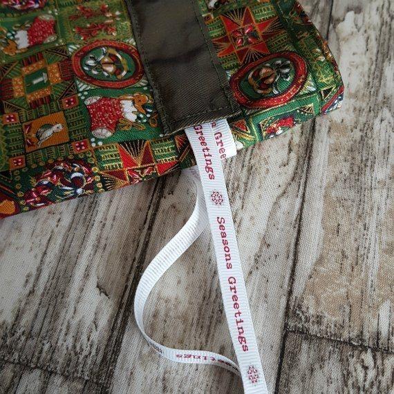 Traditional Christmas Print Eco-Friendly Fully Lined Reusable Christmas Gift Bag Kind Shop 7