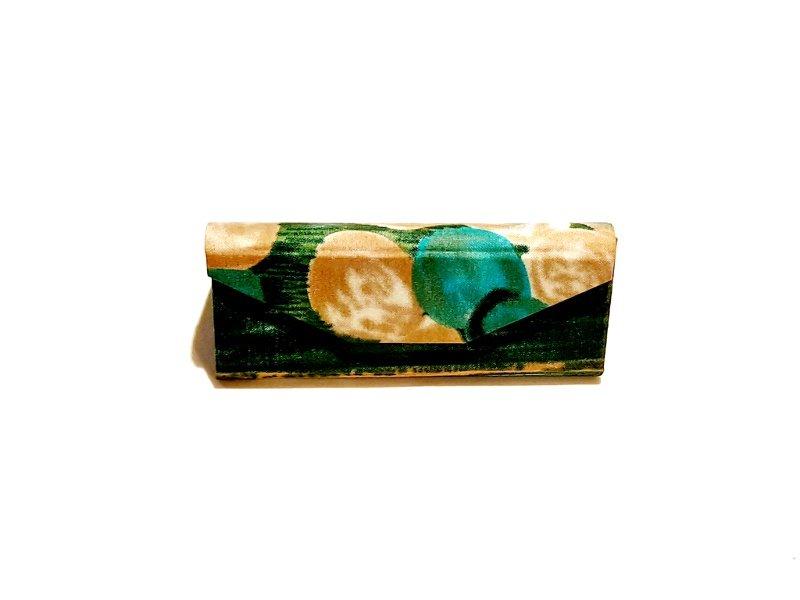 Green & gold batik glasses case Kind Shop 5