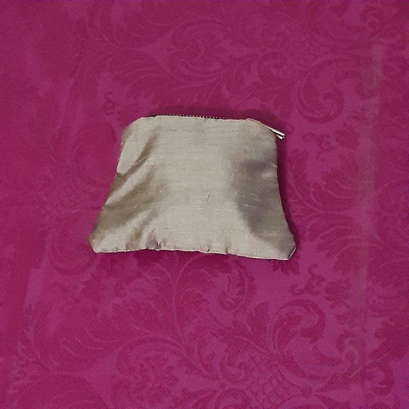 Gold silk purse Kind Shop