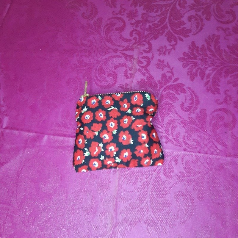 Red flower purse Kind Shop