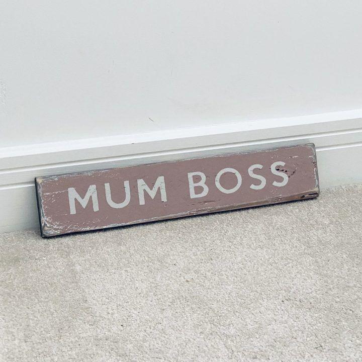 mum-boss-sign