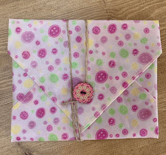 Beeswax Sandwich Wrap with Button & String Fastening (Pink Buttons) Kind Shop