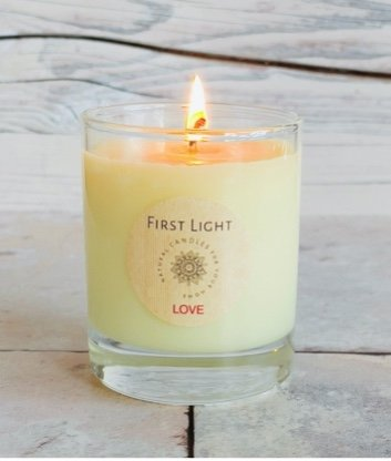 Vegan Soy Candle with Neroli and Vetiver Essential Oils. Kind Shop