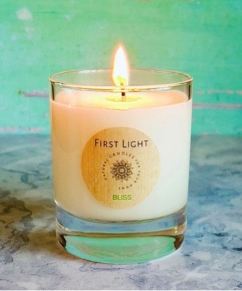 Vegan Soy Wax Candle with Lemongrass and Basil Essential Oils. Kind Shop