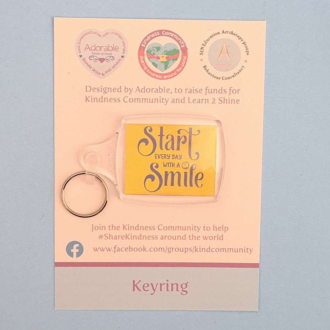 Keyring: Start every day with a smile. Fundraising keyring. Kind Shop 2