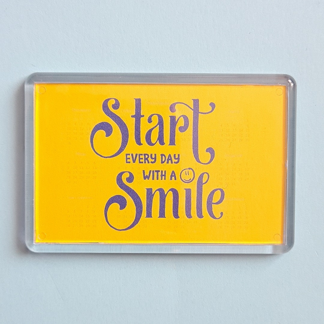 Magnet: Start every day with a smile. Fundraising Magnet Kind Shop
