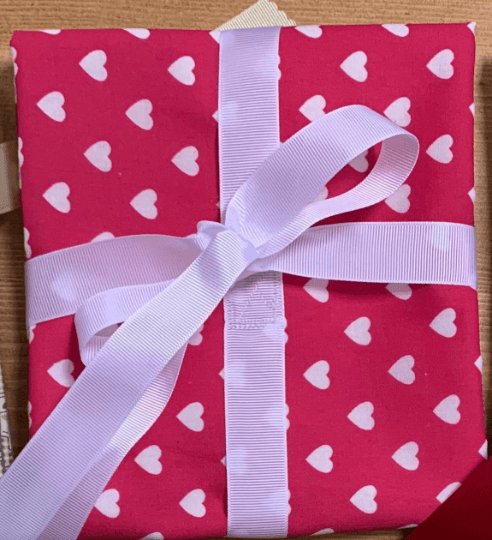 Valentines Reusable Fabric Gift Wrap (White & Pink Hearts) Kind Shop