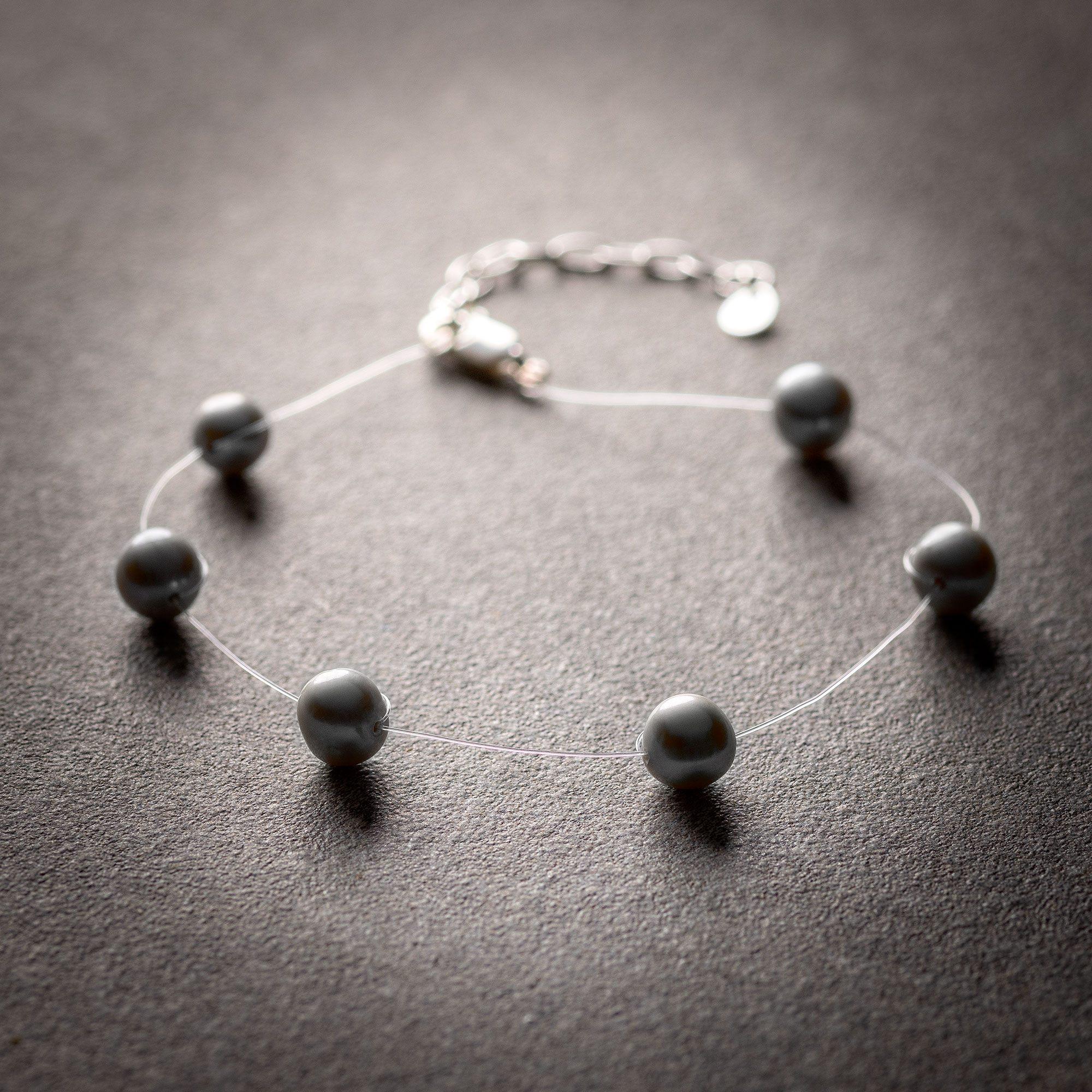 Grey pearl floating bracelet