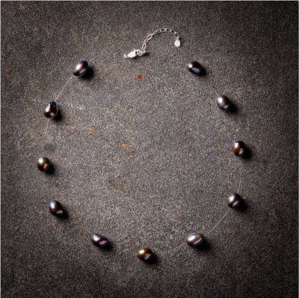 Large black pearls floating necklace