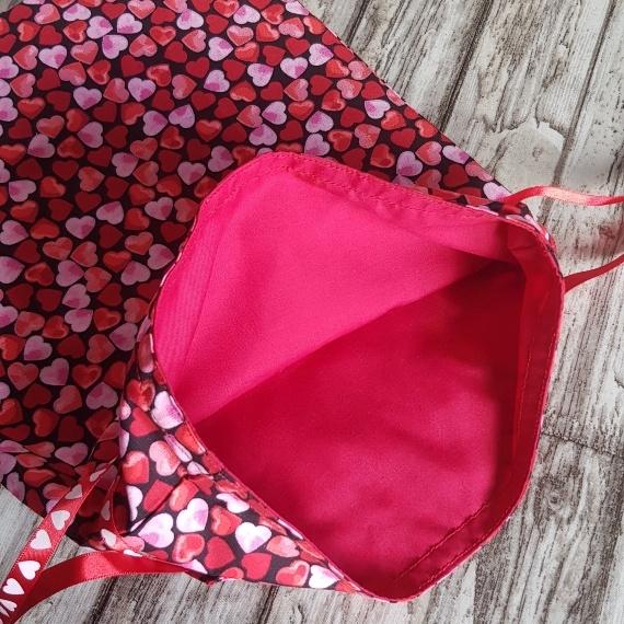 Eco Friendly Reusable Drawstring Gift Bag / Storage Bag   Red And Pink Hearts Kind Shop 7