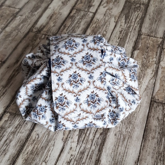 Flat Lay Make Up Bag, Fold Out Drawstring Cosmetic Bag – Recycled Fabrics   Vintage Floral Kind Shop 7
