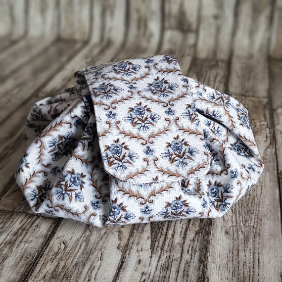 Flat Lay Make Up Bag, Fold Out Drawstring Cosmetic Bag – Recycled Fabrics   Vintage Floral Kind Shop 8