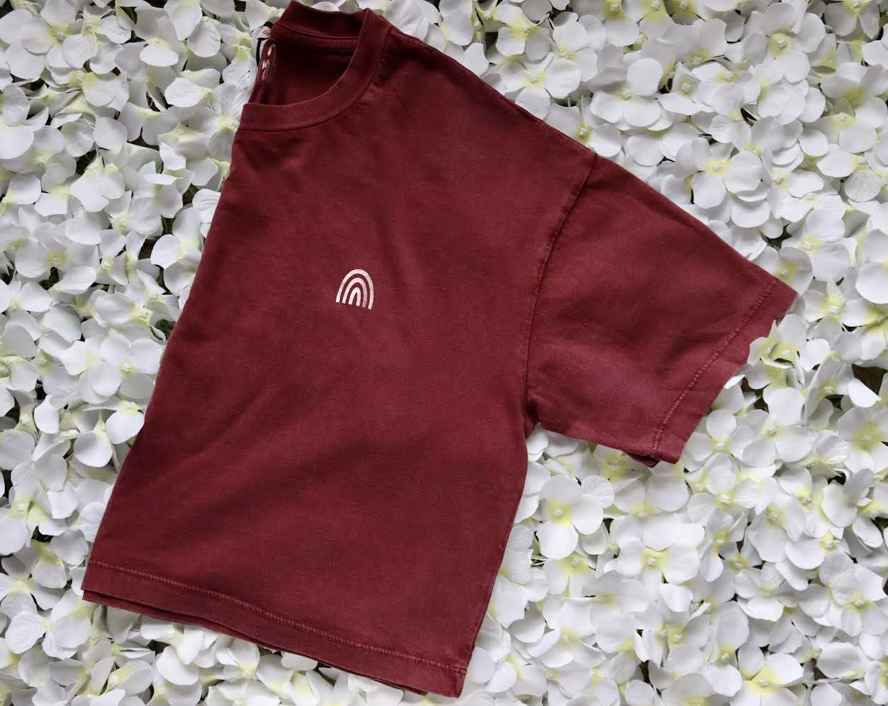 Organic Cotton Cropped Stonewash Burgundy T-Shirt with CottonCrab Rainbow Logo Kind Shop