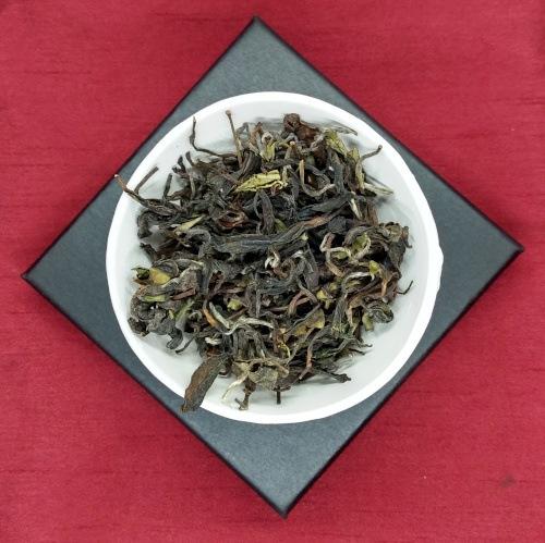 Himalayan Hand-Rolled Oolong Tea Tin